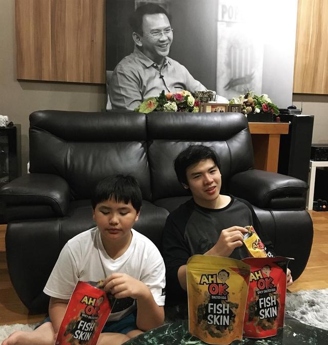 Putra Sulung Ahok Posting Foto Bersama Adiknya, Netizen Sebut Ada yang Janggal dan Bikin Nangis