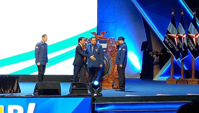 Ini yang Dilakukan Jokowi Saat Mendapat Sambutan Panjang Dari Kader Demokrat