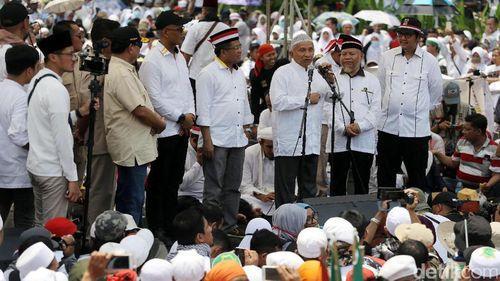 Amien Rais Tak Diajak Bertemu Jokowi, Ini Jawaban Tim 11 Alumni 212, Nylekit Banget!