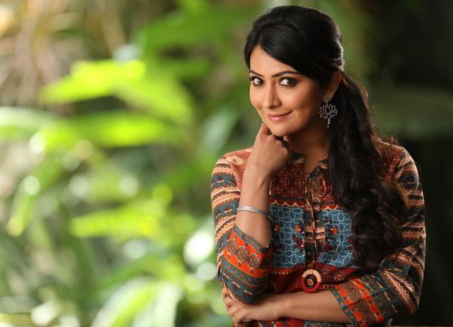 Hello friends, stay tuned to my page on helo app @Radhika Pandit