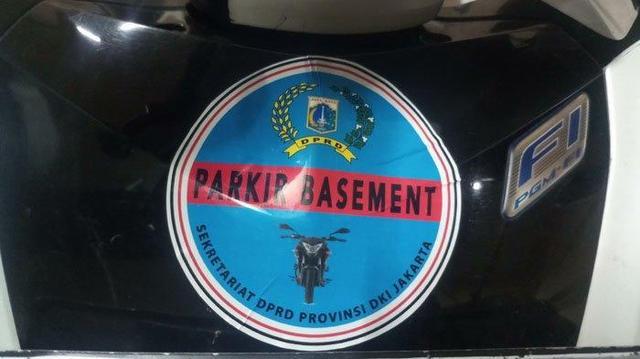 Demi Parkir Gratisan di Gedung DPRD DKI, Anak Buah Anies Baswedan Lakukan Hal Ini, Waduh!