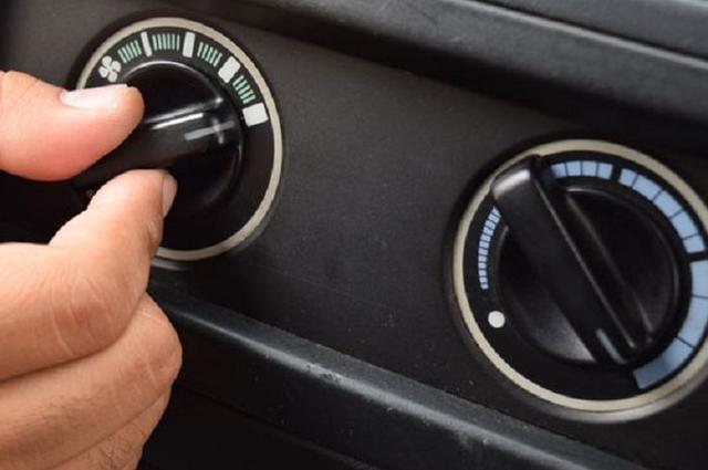 Benarkah AC Mobil Bisa Bikin Boros Bensin?