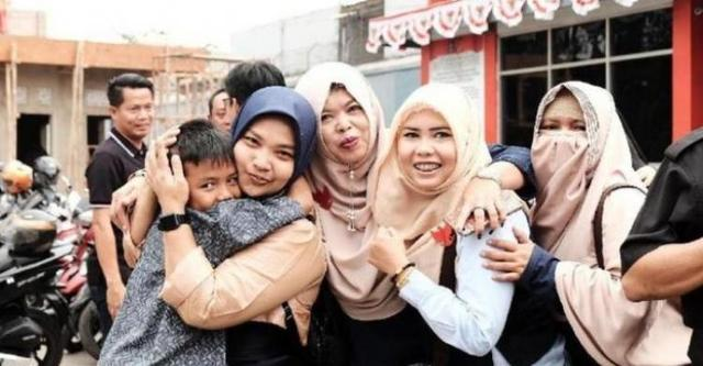 Keluar Penjara, Emak-Emak Pepes Ngaku Kapok, Warganet Heboh!