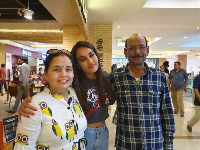 surbhi jyoti | Cute Family, enjoyed.. #surbhi jyoti #Family ...